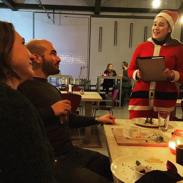 Hohoho daar is de kerstvrouw #kerst  met ons superteam